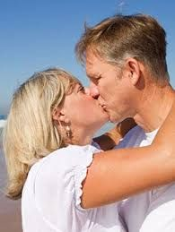 5 Surprising Benefits of Kissing .You can actually burn calories kissing? Senior Dating Sites, Dating Advice, Relationship Advice, Relationships, Dating Again, Dating After Divorce, Benefits Of Kissing, Kissing Facts, Facts About Guys