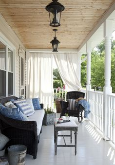 Will there be anything a lot more attractive than cozy household furniture by using an attractive deck? Whether it is a entrance deck that embraces site visitors or a back veranda that's private an… Outdoor Spaces, Outdoor Living, Indoor Outdoor, Farmers Porch, Patio Pergola, Pergola Kits, Gazebo, Outdoor Curtains, Front Porch Curtains