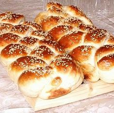 Croissant, Ciabatta, Hamburger, Bread, Baking, Nap, Food, Bread Making, Meal