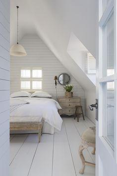 Brilliant Attic remodel,Attic renovation insulation and Small attic bathroom designs. Loft Room, Bedroom Loft, Master Bedroom, Bedroom Decor, Bedroom Ideas, Bedroom Signs, Wood Bedroom, White Bedroom, Bedroom Inspo