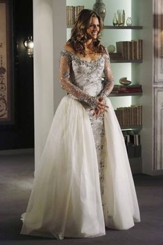 """Wedding Gown for Kate Beckett . Photo from 'Castle'TV, episode, """"Dressed to Kill"""". Kate Beckett, Stana Katic, Pippa Middleton, Wedding Dresses Photos, Wedding Gowns, Wedding Ceremony, Castle Season 6, Kate Und William, Castle Tv Shows"""