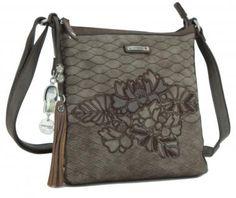 Umhängetasche braun Stickerei kimmidoll Blätter Anhänger - Bags & more Bags, Style, Fashion, Embroidery, Get Tan, Handbags, Swag, Moda, Fashion Styles