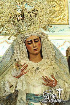 Sub tuum praesidium   María Stma. de las Angustias Coronada de Sevilla.