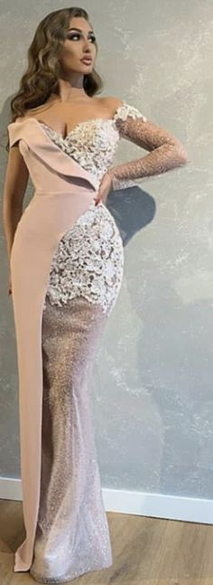 Spitzenkleid in Creme Lace Dress Styles, Lovely Dresses, Elegant Dresses, Long Sleeve Evening Dresses, Evening Gowns, Dinner Gowns, African Fashion Dresses, Mermaid Dresses, Classy Dress
