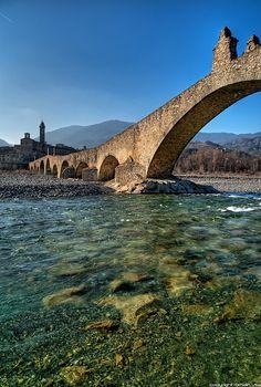 Gobbo Bridge, Bobbio, Emilia Romagna, Italy