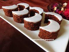 Raspberrybrunette: Babičkine mesiačiky Christmas Treats, Christmas Baking, Slovak Recipes, Cranberry Cookies, Small Desserts, Oreo Cupcakes, Sweet And Salty, Yummy Treats, Deserts
