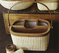 LOVE anything to do with Natucket baskets <3