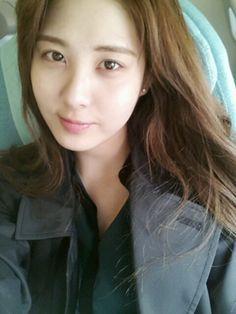 Girls' Generation's Seohyun says good morning