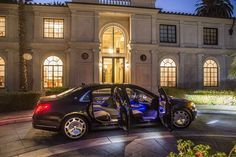 2016 Mercedes-Maybach S-Class - Doors Open - Side Mercedes Maybach S600, French Style Homes, Benz S, Merc Benz, Modern Mansion, First Drive, S Class, Luxury Life, Luxury Homes