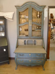 For T's armoire. Aubusson & Duck egg Annie Sloan Chalk Paint (clouded stipple technique) French linen inside w/ dark wax and gold accents. The Little Black Chair. Chalk Paint Furniture, Furniture Projects, Furniture Making, Furniture Makeover, Diy Furniture, Furniture Design, Furniture Buyers, Vintage Furniture, Blue Chalk Paint