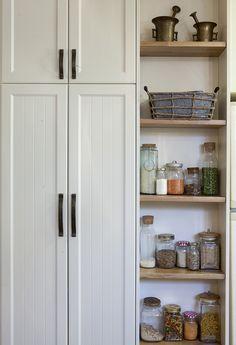 rustic white kitchen מטבח כפרי לבן