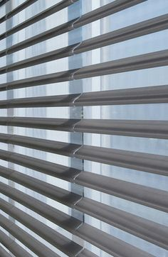 The signature style of Pirouette ® window shadings presents a compelling blend of opacities that provokes an element of surprise.  From an almost transparent sheer to translucent semi-opaque or room darkening fabrics it offers a perfect solution for light control. ♦ Hunter Douglas window treatments