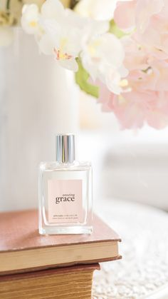 embrace your beauty, and express your femininity with amazing grace spray fragrance.