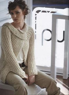 Knit issue 8 is a book of trans seasonal designs using combinations of Jo Sharp yarns. The book includes cardigans, a bolero, a cable knitted bustier or belt, a long or short rib cardigan worked on large needles with two yarns together and many other. Knitting Yarn, Knitting Patterns, Hand Knitting, Only Cardigan, Ribbed Cardigan, How To Purl Knit, Cardigan Fashion, Knit Or Crochet, Crochet Fashion