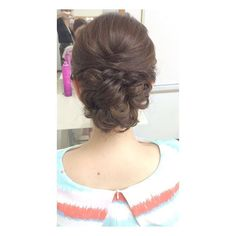 シンプルシニヨン♪ ワンピースもバッグも何もかもとっても可愛かったー❤️おしゃれさんでした✨ #浴衣アレンジ #hair#hairarrange#hairstyle#braid#hairset#ヘアメイク#セットサロン#ヘアセット#ヘアアレンジ#コーデ#fashion#wedding#結婚式#hairmake#髪型#二次会#updo#成人式#前撮り#名古屋