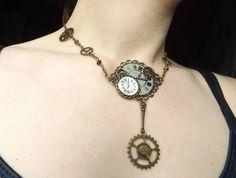 """Collier ras-de-cou steampunk engrenage et cadran de montre, """"Le collier de…"""