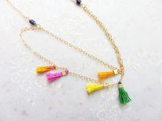 Collar de borlas multicolor oro delicado llenada de por LilySharon