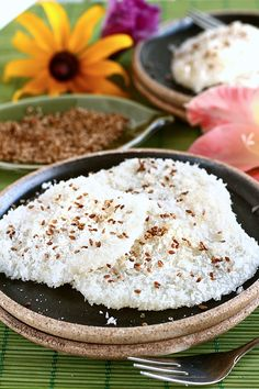 Palitaw is a Filipino afternoon snack or 'merienda' that consist mainly of glutinous rice coated with grated coconut and sugar and sometimes roasted sesame seeds. This flattened sweet rice cake is very chewy and really filling but the best part is, it is really easy to make. This Palitaw recipe is as easy as it can get,...