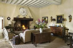 Decorator Imogen Taylor's house in Burgundy   House & Garden English Country Style, French Country Cottage, Welsh Country, Country Charm, Country Homes, Wine Country, English Interior, Townhouse Designs, London House