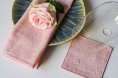 Set of 3 Wax Pink Linen Napkins and 3 Coasters / by chepelhome