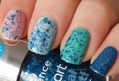 Essence Nail Art Special Effect! Topper 10 - Glorious Aquarius (new version) over pastel base colours