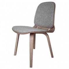 Viggo chair made from two curving  plywood pieces by ShapingYourDay #modernchair #modernhome #home