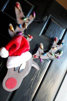 Reindeer Christmas door hanger. Sign. LIGHTS UP