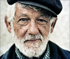 I think this is the way fisherman should grow old - with the look of an experienced  traveller, beautiful white hair and a wrinkled face.
