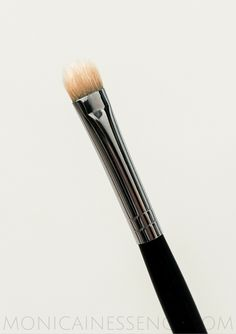 Single brush 234 Smokey Shader ZOEVA review