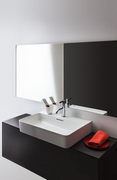 Function as decoration: Laufen presents the Val SaphirKeramik collection by Konstantin Grcic Laufen Bathroom, Simple Aesthetic, Kitchen Hardware, Bathroom Furniture, Bathroom Ideas, Countertops, Sink, Vanity, Collection