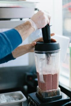 Which Blender Should You Buy? Hint: NOT a Vitamix | Green Press Juice. greenpress.co