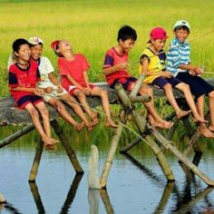 Vietnam Deluxe Group Tours - Daily group tour in Vietnam. Deluxe Group Tour offers Vietnam Group Tours and Vietnam Day Tours with small group under 10 pax. Vietnam Tours, Vietnam Travel, Visit Vietnam, Vietnam Voyage, Cute Baby Girl Images, Precious Children, Boy Art, Happy Baby, Pictures To Paint