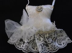 Ivory Lace Sachet, Party Dress Sachet