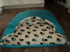 DIY dog bed homemade! Our little dogs love it!