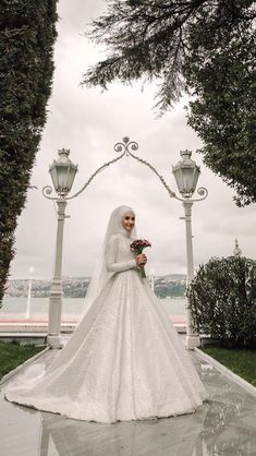2019 bridesmaid dresses, styles and designs were combined to draw attention to the ladies' dreams. In the new season, the bridesmaid dresses for the young Muslim Wedding Gown, Hijabi Wedding, Wedding Hijab Styles, Muslimah Wedding Dress, Muslim Wedding Dresses, Disney Wedding Dresses, Muslim Brides, Wedding Dress Trends, Wedding Bride