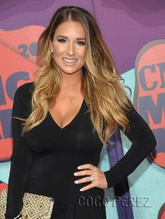 Jessie James Decker at the CMT Music Awards 2014!