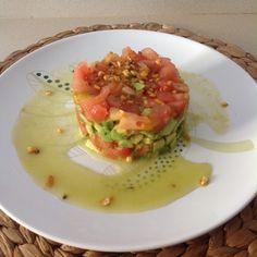 Tartar de tomates y aguacate