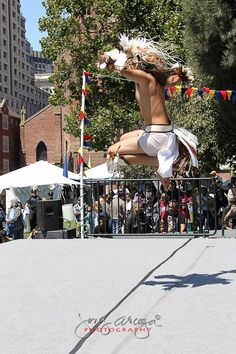 PaaMano Eskrima Performing Arts ~ Roland Samuel Ferrer honoring the Haring Ibon or the Philippines Eagle at the Annual Pistahan Festival, San Francisco CA. Philippine Eagle, Performing Arts, The Locals, Festivals, Philippines, San Francisco, Street View, Scene, St Francis