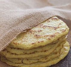 Cauliflower tortillas - soft and delicious (paleo, grain free, gluten free) Gluten Free Recipes, Low Carb Recipes, Real Food Recipes, Vegetarian Recipes, Cooking Recipes, Yummy Food, Healthy Recipes, Drink Recipes, Delicious Recipes
