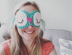 This adorable crochet owl eye mask is actually really easy to crochet and assemble - super cute as a gift or self indulgence.