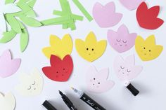 Forårs tulipaner :) Clothespin Magnets, Diy Magnets, Happy Spring, My Spring, Spring Colors, Free Printables, Crafts For Kids, Colours, Den