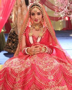 Image may contain: one or more people Red Wedding Gowns, Indian Wedding Bride, Wedding Dress, Indian Bridal Photos, Indian Bridal Fashion, Bridal Outfits, Bridal Dresses, Swag Girl Style, Bridal Poses