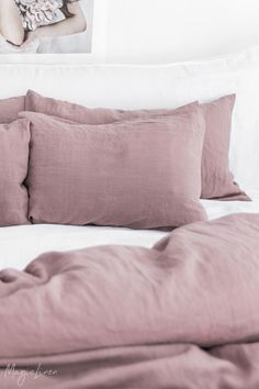 Bring life into your bedroom with fresh linen bedding in dusty pink color. Linen duvet covers, pillowcases, fitted and flat sheets available in various sizes > Dusty Rose Bedding, Pink Bedding Set, Best Bedding Sets, Queen Bedding Sets, Luxury Bedding Sets, Mauve Bedding, Dusty Pink Bedroom, Unique Bedding, Pink Bedrooms