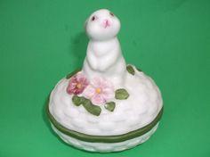 "Avon Bunny Luv Trinket Box Hand Painted Ceramic 1982 with Box 2"" Spring"