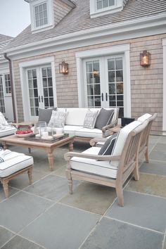 Neutral and classic outdoor living decor