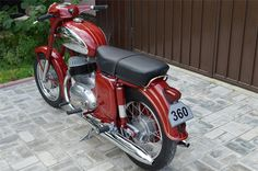 jawa 360 Triumph Motorcycles For Sale, Motorcycle Engine, Old Bikes, Classic Bikes, Scooters, Motorbikes, South Africa, Cherry, Wheels