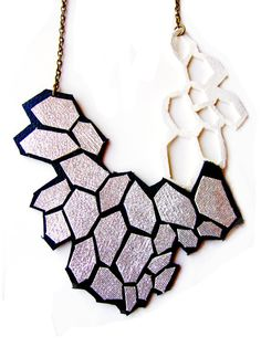 Metallic Silver Statement Necklace Geometric por BooandBooFactory