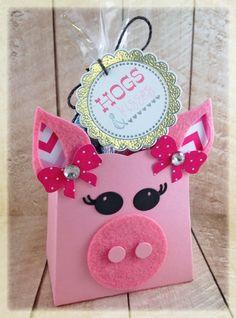 Hogs & Kisses Treat bag by Taylor VanBruggen #EatsandTreats, #ValentinesLove, #TreatHolders, #SackIttoYou,