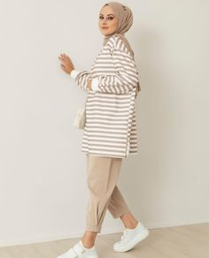 Hijab Chic, High Neck Dress, Dresses, Fashion, Turtleneck Dress, Vestidos, Moda, Fashion Styles, Dress