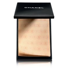 Blotting paper that instantly mattifies the skin. Small sheets to apply directly to the face to remove all traces of shine by absorbing excess sebum. Use the PAPIER MATIFIANT DE CHANEL...